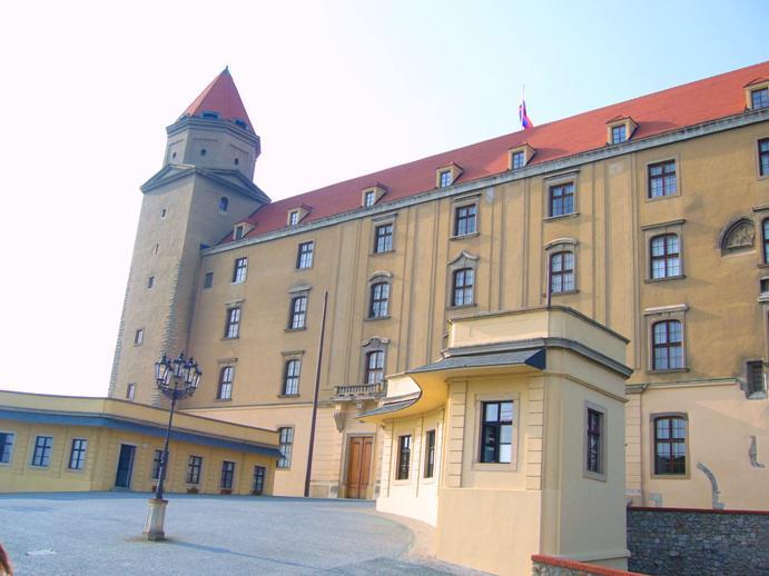 Nádvoří Bratislavského hradu