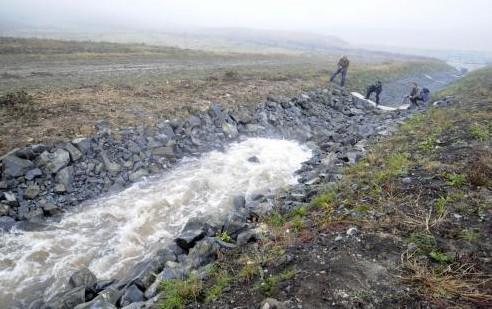Napouštění jezera Most