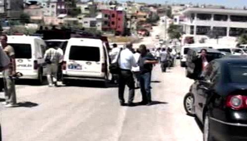 Turecká policie vyšetřuje vraždu osmi lidí v Adaně