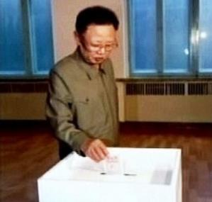 Kim Čong-il u volební urny