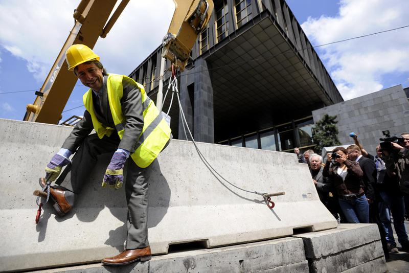 Odstraňování bariér u budovy RFE/RL