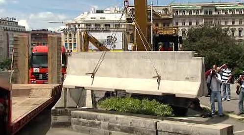 Rozebírání betonových zábran