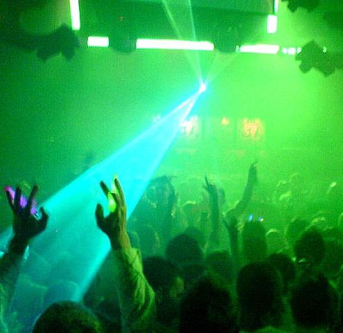 Zábava v nočním klubu