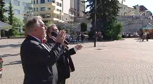 Vladimír Čečot zpívá