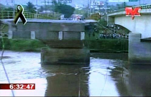 Most poškozený zemětřesením v Hondurasu