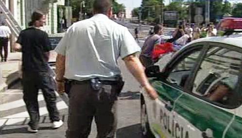 Zásah slovenské policie při protestní akci proti SNS