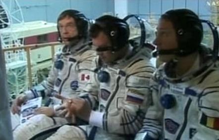 Trojice členů kosmické výpravy