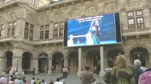 Projekce na budově Vídeňské státní opery