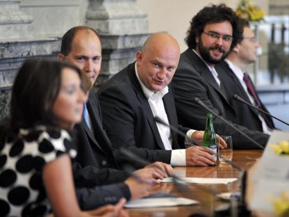 Zástupci médií na jednání s premiérem