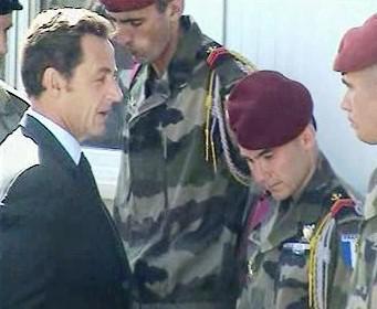 Nicolas Sarkozy u francouzských vojáků