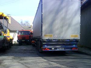 Kamion v Zásmukách