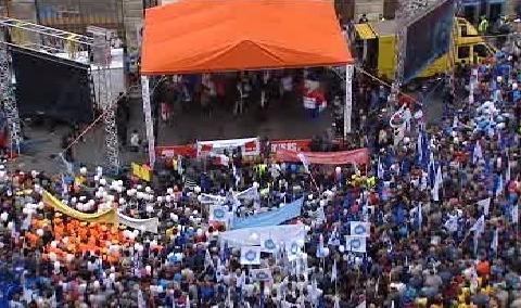 Odboráři zaplnili Hradčanské náměstí
