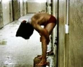 Mučení iráckých vězňů