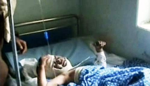 Dítě zraněné při bojích v Afghánistánu