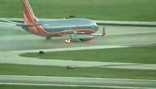 Hořící pneumatika letadla Southwest Airlines