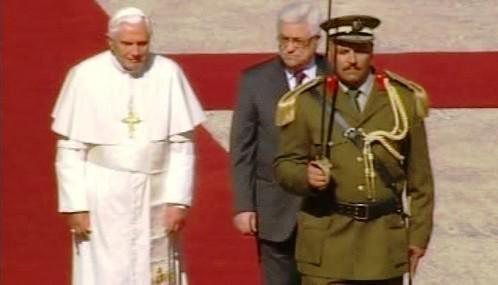 Benedikt XVI. a Mahmúd Abbás