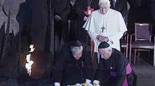 Papež Benedikt XVI. v památníku Jad vašem