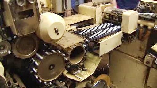 Stroj na výrobu falešných cigaret