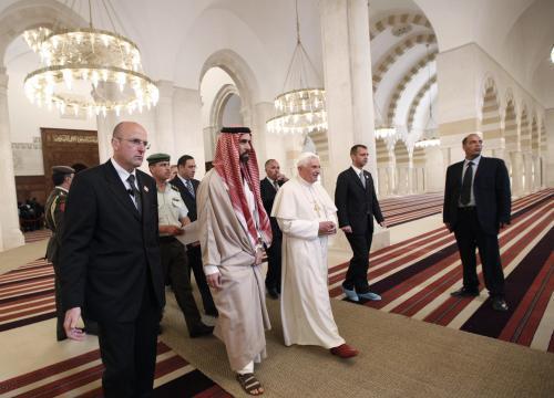 Benedikt XVI. v jordánské mešitě