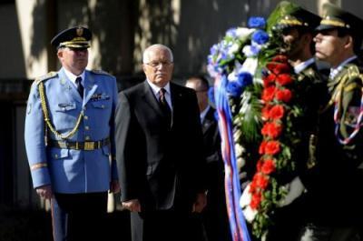 Václav Klaus při pietním aktu