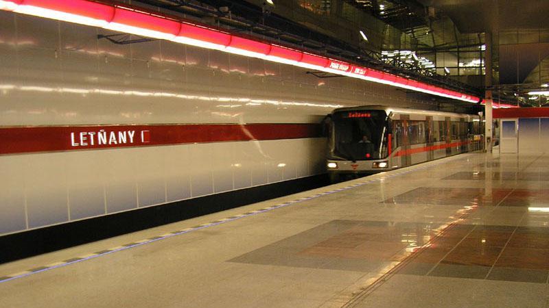 Stanice metra Letňany
