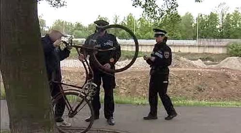 Policejní kontrola cyklisty