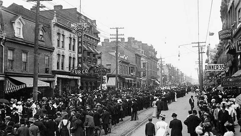 Svátek práce v Torontu v roce 1900
