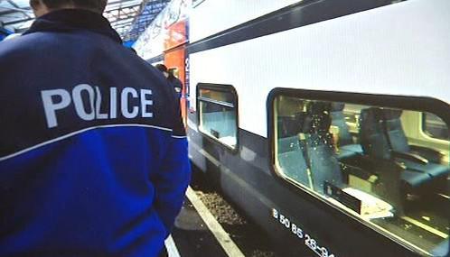 Ve švýcarském vlaku explodovala přepravka s virem chřipky