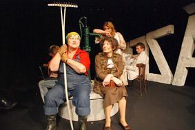 Odcházení v podání Klicperova divadla