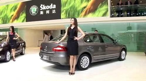 Superb na autosalonu v Šanghaji