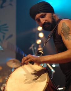Johnny Kalsi - The Dhol Foundation
