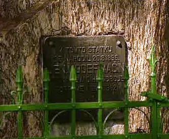 Pamětní deska otce bratří Mašínů, gen. Josefa Mašína