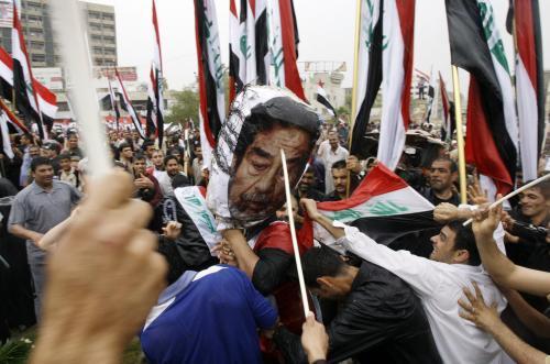 Demonstranti si v Iráku připomněli pád Saddámova režimu