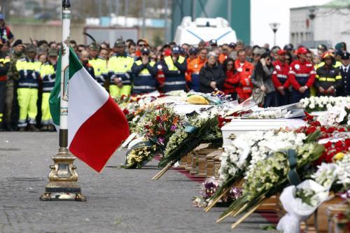 Pohřeb obětí zemětřesení