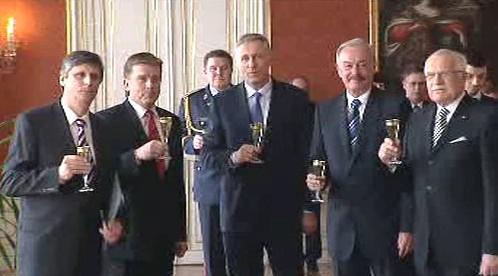 Jan Fischer byl jmenován premiérem ČR