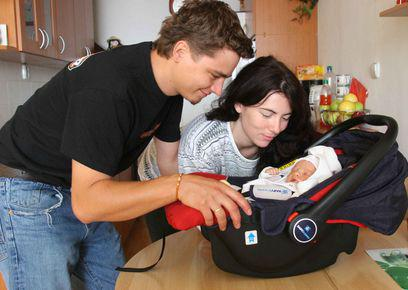 Novorozeně s rodiči