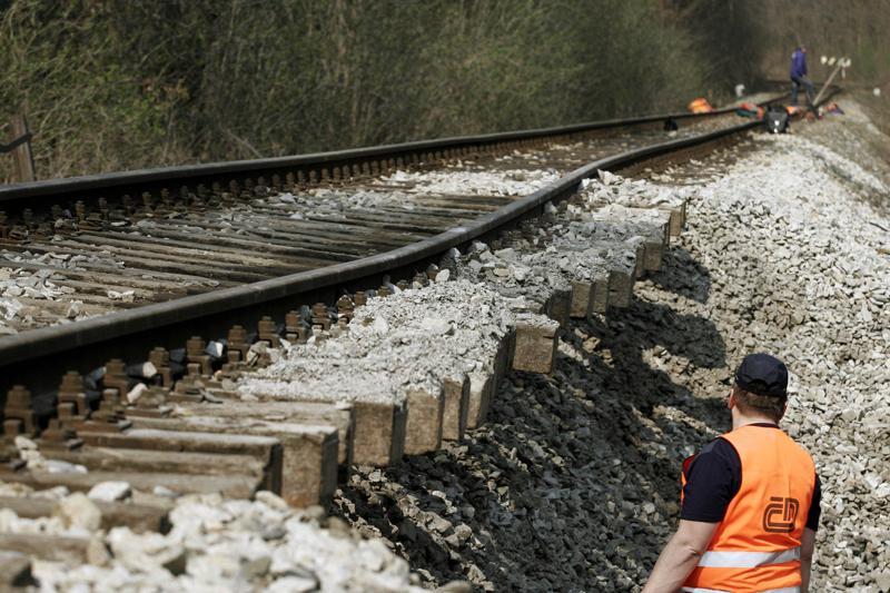 Poškozená železniční trať