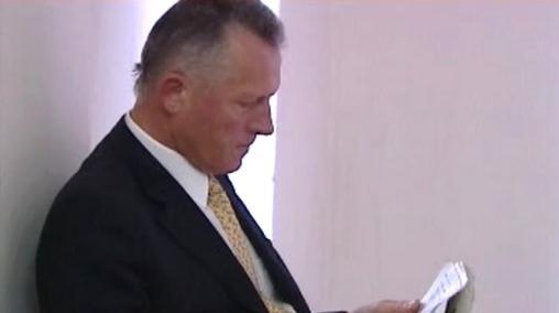 Miroslav Macek před soudní síní