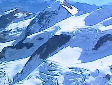 Pomezí italsko-švýcarských hranic v Alpách