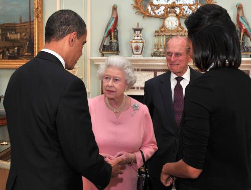 Barack Obama a Michelle Obamová na audienci u britské královny Alžběty II.