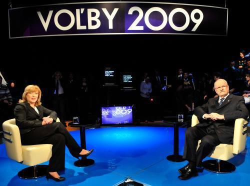 Radičová a Gašparovič v televizním duelu