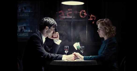 Julius Werhner (Pavel Gajdoš) a Kurtenova žena (Dagmar Havlová)