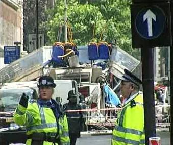 Následky teroristického útoku v Londýně v roce 2005
