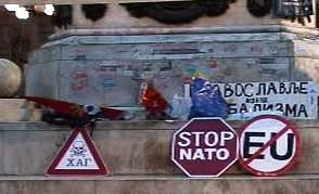 Protestní akce k výročí útoku na Jugoslávii