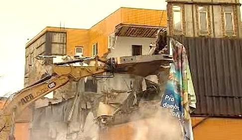 Bourání obchodního domu Ještěd