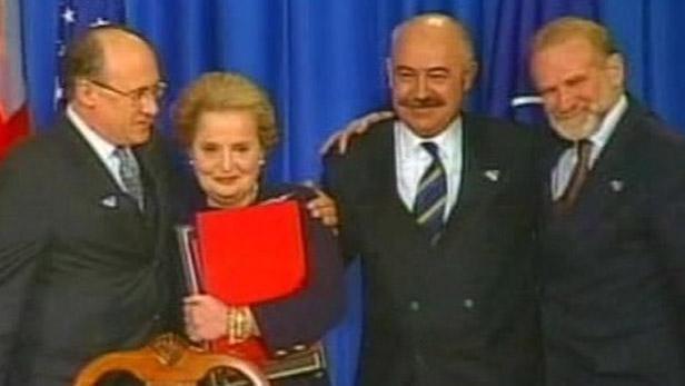 Podpis vstupu ČR do NATO