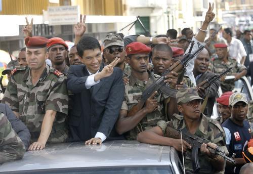 Vůdce opozice Rajoelina oslavuje