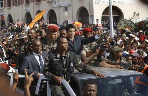 Opoziční vůdce Rajoelina zdraví své stoupence
