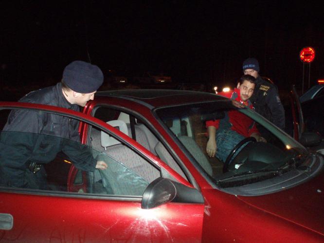 Policie při kontrolní akci