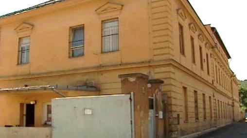 Část bývalého armádního areálu v Karlíně
